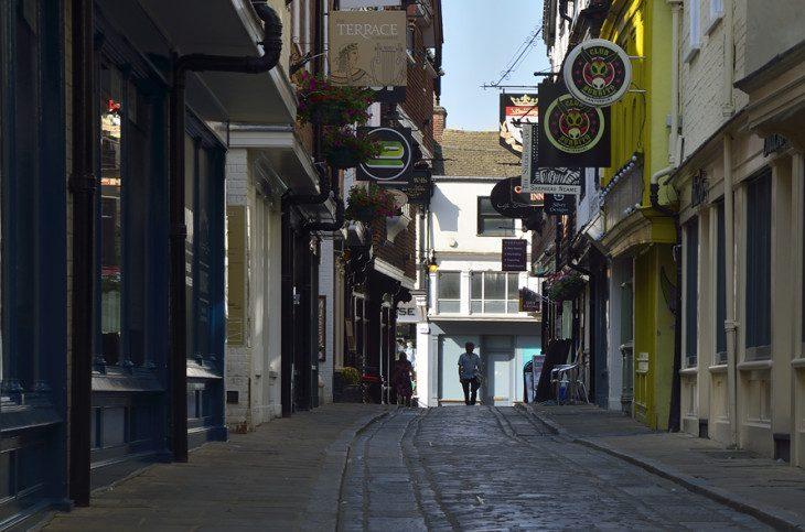 ...znam uliczkę w Canterbury...
